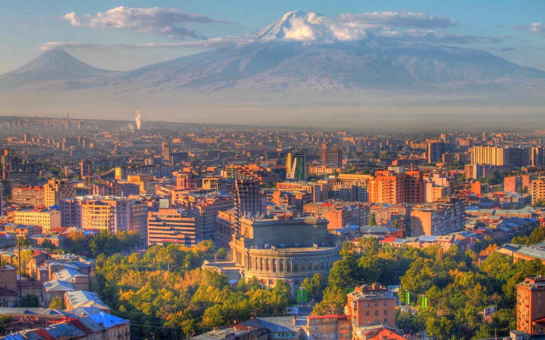 Ереван и пл. Арарат1